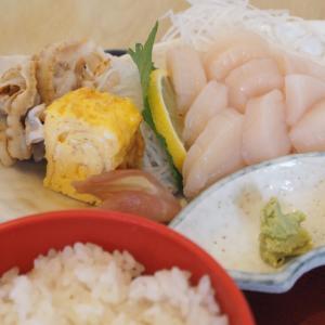 大量のホタテ!青森県むつ市「食事処 なか川」のホタテ定食のランチが時価だけど絶品だった