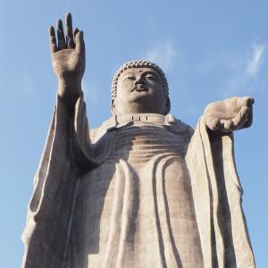 世界一高い120mの青銅製立像!ぼくは茨城県「牛久大仏」の足の親指よりもはるかに小さかった