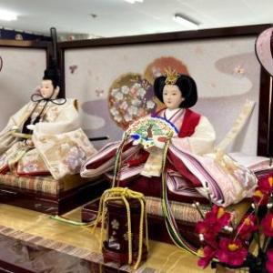 埼玉県三郷市のK様はお洒落な高級親王収納箱飾りのお雛様