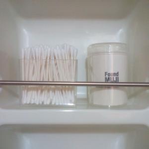 キャンドゥのガラスポットで洗面所のプチ模様替え
