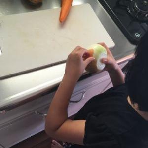 子供たち二人を相手にカレーを作った日曜朝の過ごし方の話