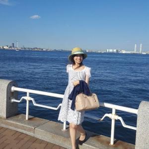 夏が舞い戻った!水色ストライプワンピで、横浜へ♪
