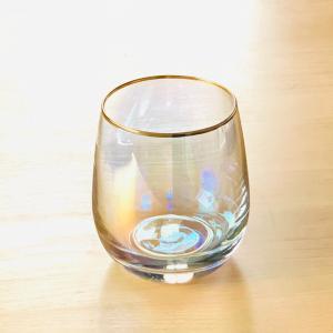ほどよい重さの洗いやすいぽってりグラス