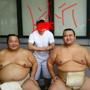 お相撲さんの巡業にアルコール依存症が現れた!