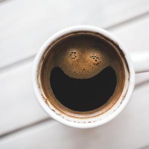 【超絶危険】禁断のコーヒーに手を出したバカ犬はわたしですwww