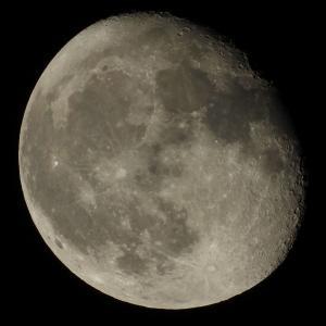 月の撮影にみる高倍率での撮影はピントとシーイングがキモ