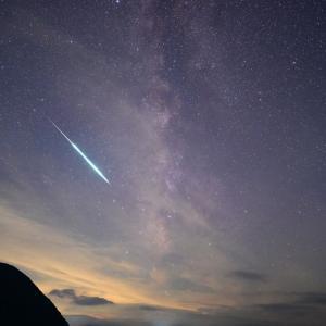 人生で初めて閃光を伴う特大流れ星を撮る