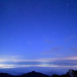 雲海に現れた光の道