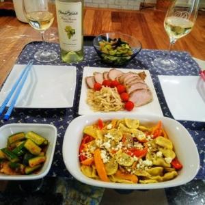 ワシントン州の白ワインとフランス産の赤ワインで夕ご飯 ~ チーズラビオリとパプリカの塩レモン焼き