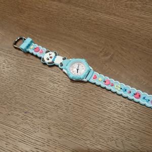腕時計。そしてダンス教室。