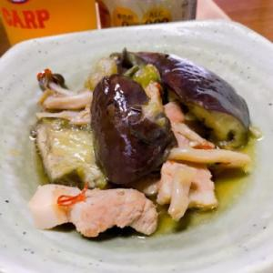 さくらどりの胸肉のソテー ゴーヤとツナのサラダ なすの煮物
