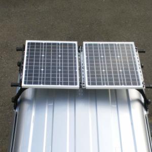 車中泊時にソーラーパネルで電気を使う!