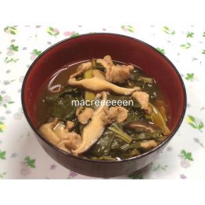 またまたまた豚汁を調理 ・小松菜、椎茸沢山