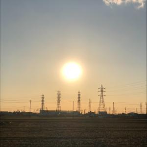 夕陽と鉄塔群