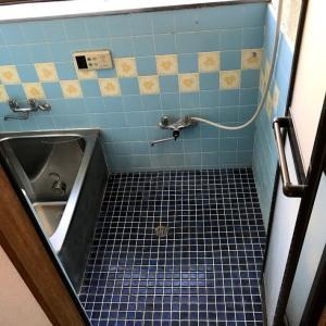 【ボロ戸建】汚い浴室をなんちゃってユニットバスにDIYしてみた