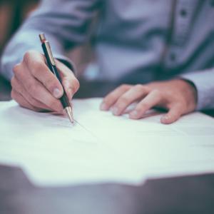 土地売買の所有権移転登記をする方法の記録