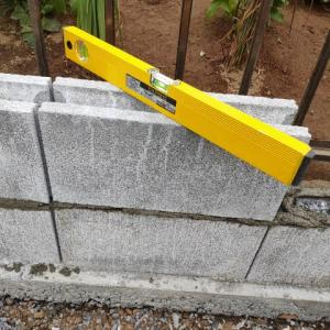 【外構】コンクリートブロックを積んでみた