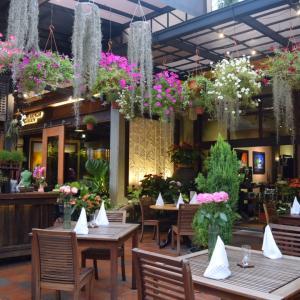 【マレーシア・ペナン旅行】まるで植物園なレストラン Ferringhi Garden Restaurant
