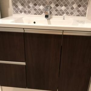 【DIY】洗面タイル貼り!DIYで簡単にできるタイルシールでオシャレな洗面台に♡