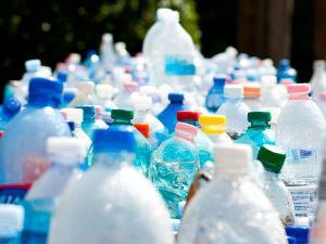 マレーシアペナン州でプラスチック容器の完全禁止 髪ストローについて