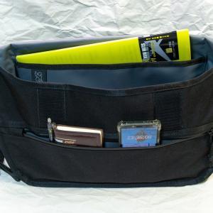 【レビュー】CHROME「SIMPLE MESSENGER BAG(シンプルメッセンジャーバッグ)」に一眼レフカメラを入れて使ってみた