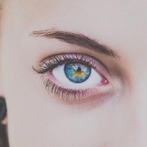 第一印象がパッと変わるのは「眉」◇あたなの美しさを引き出すメイクポイントレッスン
