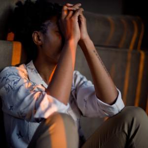 疲れた・休みたい・逃げ出したいと思う中間管理職のストレスの原因と対処方法。