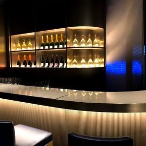 アルマーニレストランでドンペリとクリスタルのシャンパン会。ここでもサプライズお祝いありがとう