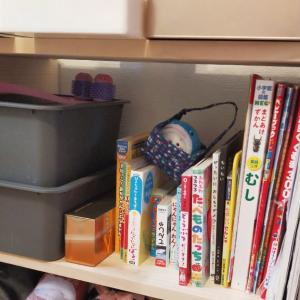 カインズのミニパレットで簡単に子供の高さにちょうどいい棚が作れて便利
