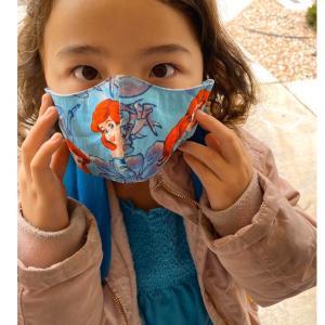 可愛い〜〜アメリカでも手作りマスク。日本に帰る人は急いで〜