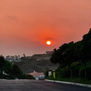 サンディエゴの山火事沈下