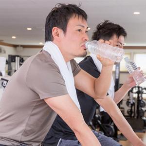 夏のスポーツや観戦で連日の救急車騒ぎ!熱中症対策がまねいた水中毒の症状と対策とは?