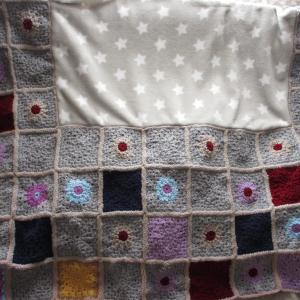 今年最後のモチーフ編み完成