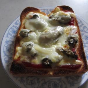 牡蠣のピザトースト