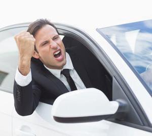 常磐自動車道で起きたあおり運転ドラレコが犯人特定のニュースが話題に!!