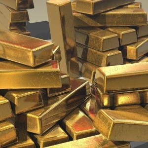【実物資産へ】米国の実質金利最低水準、市場は「金、銀、パールプレゼント♪」状態・・・・