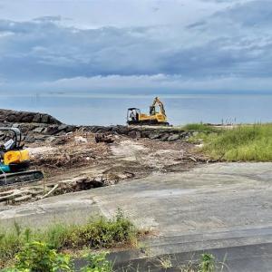 荒尾海岸の瓦礫撤去作業・・・2021年9月