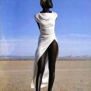 肌の色問題