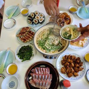 ホタテのエビのクリーム炒め、イカと大根の煮物ほか ~めだか村給食~