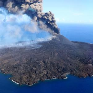 小笠原諸島の西之島の噴火が激化。さらに面積が広くなるか? 父島では降灰予報も。