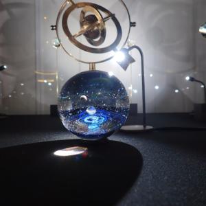 神田明神文化交流館の「江戸東京あかり展」で宇宙ガラスを見る