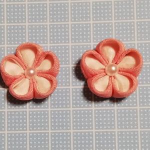 着物リメイクでつまみ細工_ピンクと白の二重丸つまみ