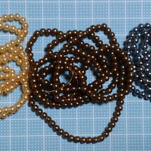 着物リメイクでつまみ細工_ブラックシリーズ用のビーズ花芯
