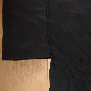 着物リメイクではおりもの_ふわりワンピースコート_スカート部分を縫い合わせてポケットもつけました