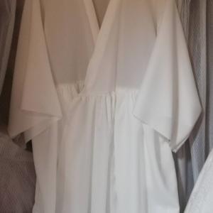 白のふわりワンピースコート_身頃にスカート縫い付けました