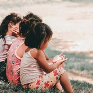 「あなたのためよ」とダメ出ししてくる友達とは、離れた方がいいです。