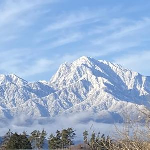 冠雪した南アルプスと八ヶ岳