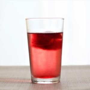 梅雨の蒸し暑い日に飲みたいハーブティ~今日はティーソーダで。
