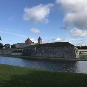 【エストニア】バルト海に浮かぶ伝統の残る島、サーレマー島〜南岸の街クレサーレ