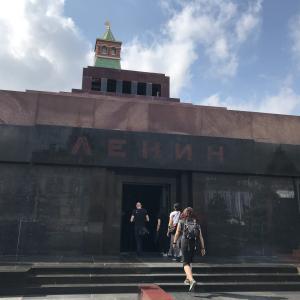 【ロシア】ソビエト時代の遺構〜レーニン廟でレーニンの遺体を見学